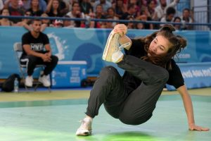 B-girl-Battle-In-Youth-Olympic